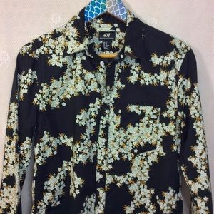 H&M Black White Floral Print Button Up Shirt XS